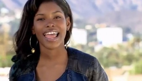 Diamond White, 13, sings HeySoul Sister by Train on X Factor USA live week 1